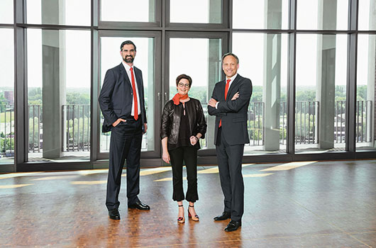 Deutsch: Foto 1: Westfalen Gruppe mit starkem Konzernergebnis. Das Vorstandsteam (von links): Dr. Thomas Perkmann (Vorsitz), Dr. Meike Schäffler und Torsten Jagdt. English: Picture 1:  Westfalen Group reports strong group earnings. The executive team (from left): Dr Thomas Perkmann (CEO), Dr Meike Schäffler and Torsten Jagdt. (Foto/Picture: Westfalen AG)